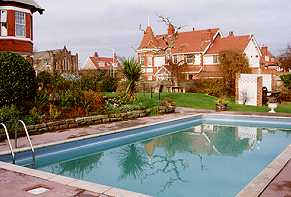 Rockland guest house wirral merseyside for Wirral hotels with swimming pools