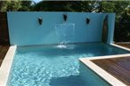 Airlie Beach Myaura Bed & Breakfast