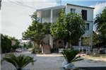 Apartment in Makarska with Four-Bedrooms 1