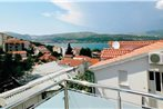 Apartment Trogir with Sea View 06
