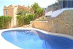 Apartment with pool, mountain views, in Javea