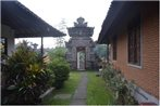 Budi House Bungalows