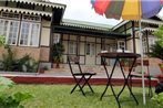 Cafe Shillong Bed & Breakfast