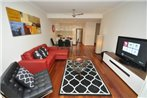 Camperdown Self-Contained Modern Two-Bedroom Apartment (11BRG)