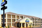 Days Inn and Suites Oklahoma City Moore