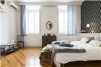 Downtown Vintage Deluxe Apartmen by RentExperience