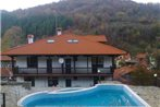Family Hotel Chiflik Hills & SPA