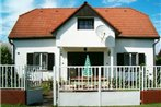 Four-Bedroom Holiday home Balatonmariafurdo near Lake