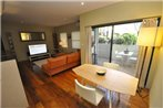 Glebe Self-Contained Modern One-Bedroom Apartment (47ROS)