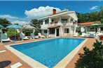 Holiday home Porec 3