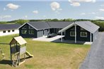 Holiday home Strandbakken P-589