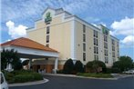 Holiday Inn Express & Suites Wilmington-University Center