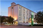 Holiday Inn Hotel & Suites Wichita Downtown-Convention Center