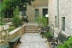 Jerusalem Accommodation. Central, Green & Quiet - Magas House