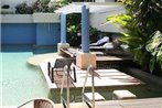 Macrossan House Boutique Holiday Apartments