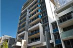 Meriton Serviced Apartments - Southport