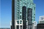 Meriton Serviced Apartments - World Tower