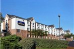 Microtel Inn by Wyndham University Place