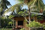 Padang Bai Beach Bungalows Resort