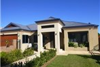Santa Maria Executive Suites Fremantle Bed & Breakfast