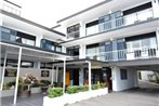 Southern Cross Serviced Apartments and Motel