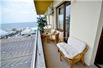 Summerland New York Exclusive Apartment - Mamaia