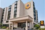 Super 8 Niagara Falls - Fallsview District Hotel
