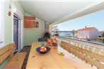 Three-Bedroom Apartment with Sea View in Medulin