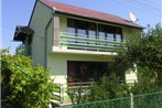Three-Bedroom Holiday home Balatonmariafurdo near Lake 4