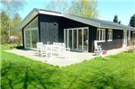 Three-Bedroom Holiday home in Dronningmolle 8