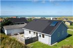 Three-Bedroom Holiday home in Lokken 38