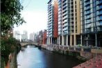 Travelling Light Apartments@Leftbank
