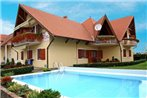 Two-Bedroom Apartment Balatonmariafurdo near Lake 4