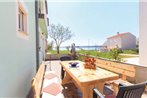 Two-Bedroom Apartment with Sea View in Medulin