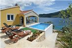 Vela Luka Holiday Home 1