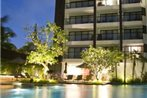 Woodlands Suites, Serviced Residences