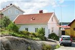 Two-Bedroom Holiday home in Stromstad 2